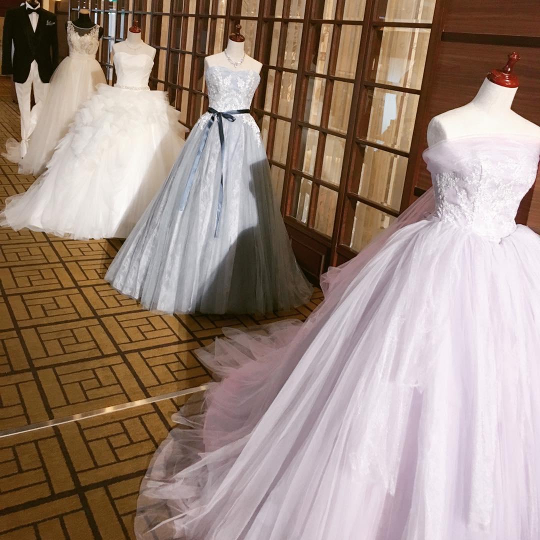 結婚式場 ホテルキャッスル ドレス