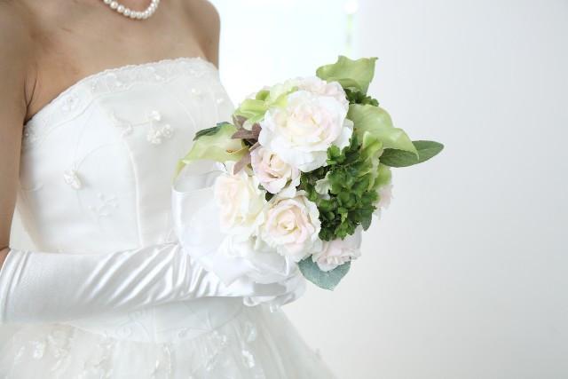ウェディングドレス小物の主な種類